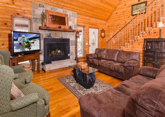 Gatlinburg - Unforgettable - Living Room TV
