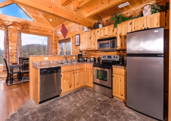 Pigeon Forge - View of God's Country - Kitchen
