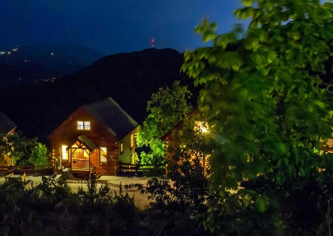Pigeon Forge - View of God's Country - Night Exterior