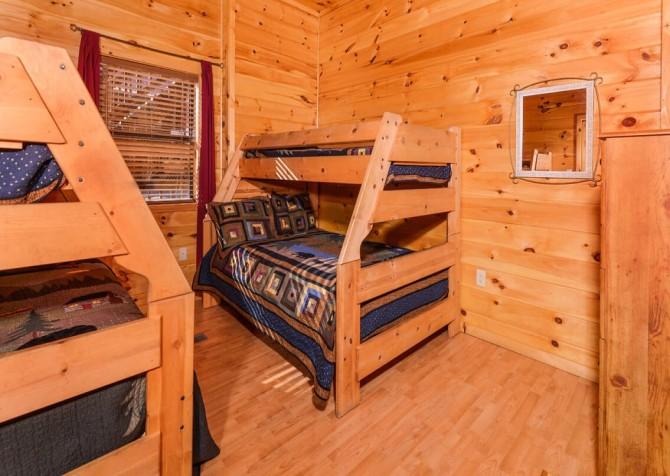 Wild Turkey Lodge Bedroom