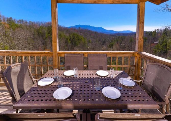 Wild Turkey Lodge Deck Dining