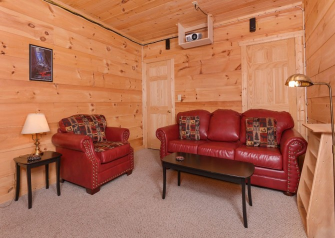 Pigeon Forge - Windswept Retreat - Theater Room