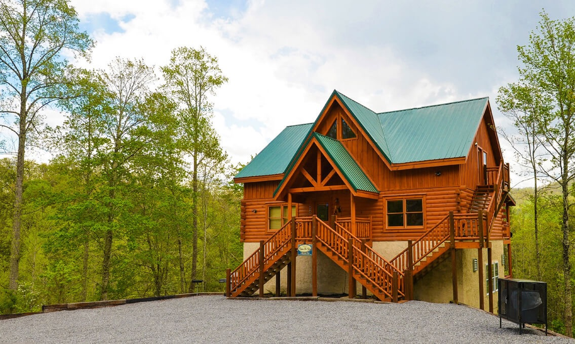 pigeon bedroom the log cabins small of top cabin view a mountains with forge gatlinburg rentals and