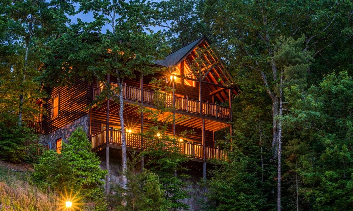 Large Group Cabins In Pigeon Forge Papa Bear Lodge