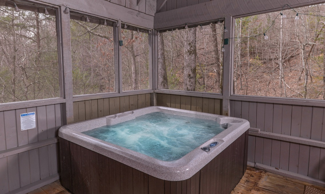 Pigeon forge cabins a secret romance for Pigeon forge cabins with hot tub