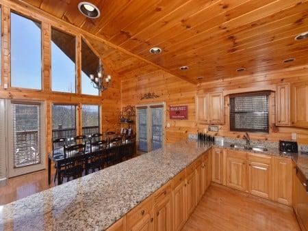 Gatlinburg Cabins - Bearfoot Landing - Kitchen