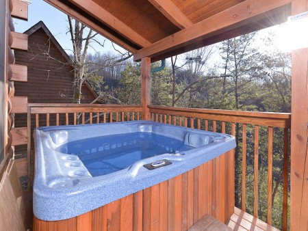 Pigeon Forge - Knotty Desire - Hot Tub