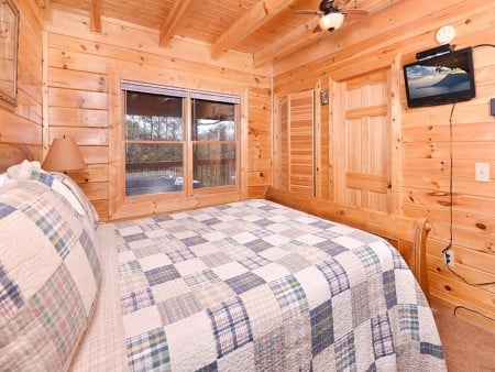 Pigeon Forge - Knotty Desire - Bedroom One