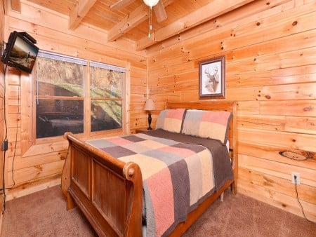 Pigeon Forge - Knotty Desire - Bedroom Two