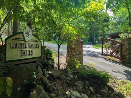Laurel Valley Falls Resort