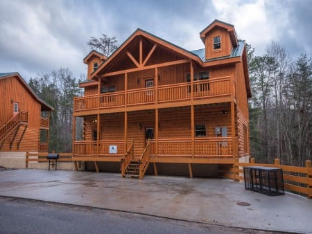 Pigeon Forge - Emerald and Evergreen At Sherwood - Exterior