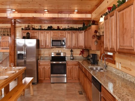 Pigeon Forge - Emerald and Evergreen At Sherwood - Kitchen