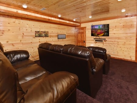 Pigeon Forge - Emerald and Evergreen At Sherwood - Theater Room