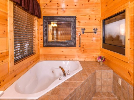 Pigeon Forge Cabin- Alone At Last – Indoor Jetted Tub