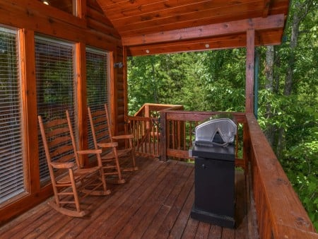 Pigeon Forge Cabin- American Pride – Deck Grill