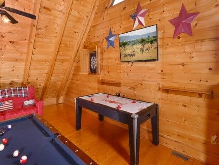 Pigeon Forge Cabin- American Bear Cabin – Air Hockey Table