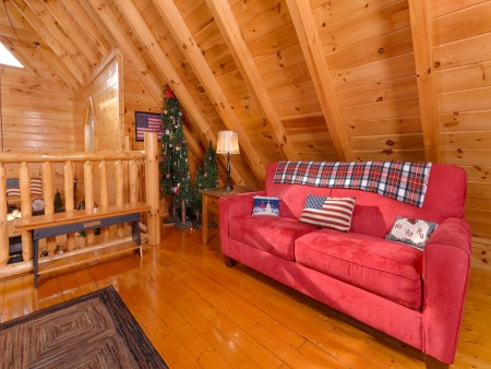 Pigeon Forge Cabin- American Bear Cabin – Loft Sleeper Sofa
