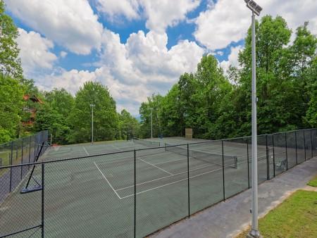 Gatlinburg - Creekside Manor - Chalet Village Resort Tennis Courts