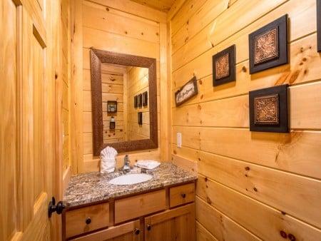 Gatlinburg - A Wildflower Retreat - Bathroom