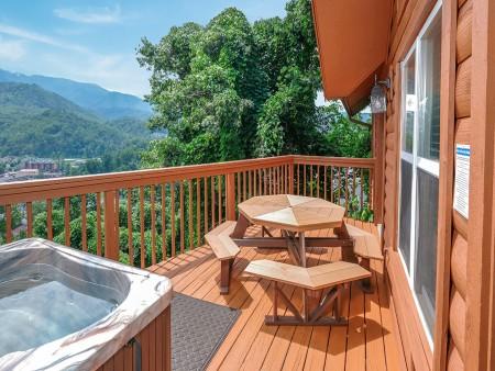 Gatlinburg Cabin - Absolute Heaven - Deck Dining/Open Deck