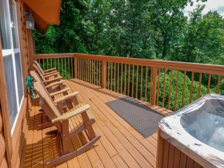 Gatlinburg Cabin - Absolute Heaven - Rocking Chairs/Open Deck