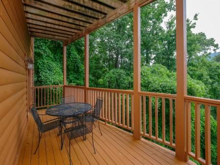 Gatlinburg Cabin - Absolute Heaven - Deck Dining/Covered Deck