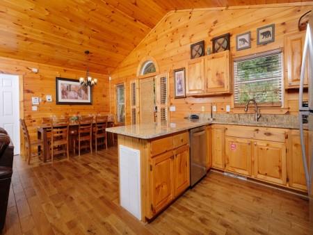 Gatlinburg Cabin - Absolute Heaven - Kitchen