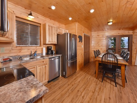 Gatlinburg - Bearfoot Lodge - Kitchen
