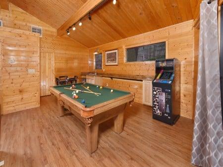 Gatlinburg - Bearfoot Lodge - Rec Room