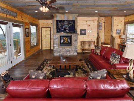Gatlinburg - Big Bear Views Lodge - Living Room
