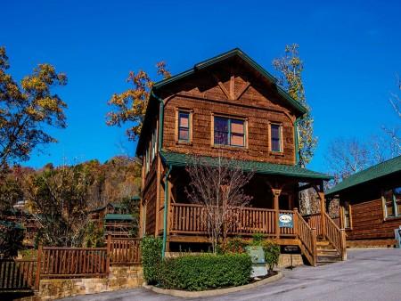 Gatlinburg - Mountain Getaway and a Theater- exterior