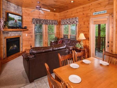 Gatlinburg - Mountain Getaway and a Theater- kitchen
