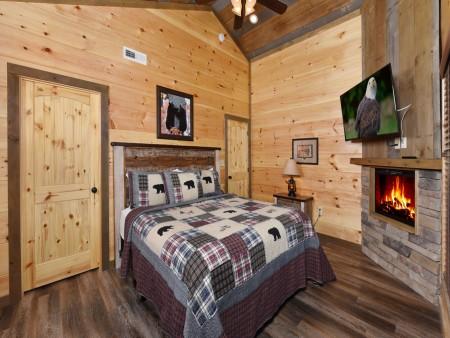 Gatlinburg - Splash N' Views - Bedroom