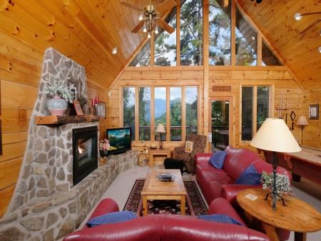 Gatlinburg - Squirrel's Nest - Living Room