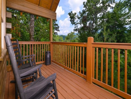 Gatlinburg Cabin- Mountain View Lodge – Deck Rocking Chairs