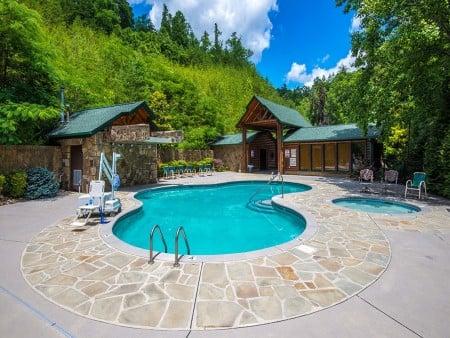 Gatlinburg - Splash N' Views - Gatlinburg Falls Hidden Valley Resort Pool