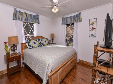 Pigeon Forge - Hillside Hideaway - Bedroom Two
