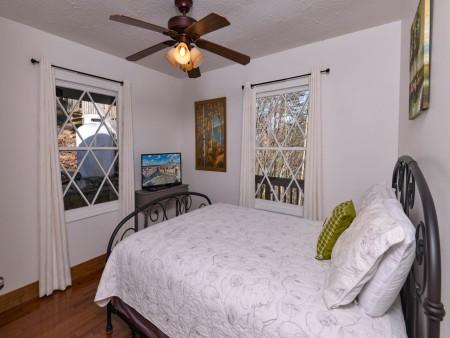 Pigeon Forge - Hillside Hideaway - Bedroom One TV