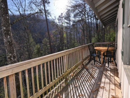 Pigeon Forge - Hillside Hideaway - Exterior Deck