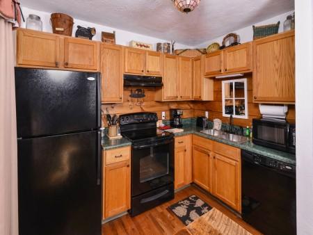 Pigeon Forge - Hillside Hideaway - Kitchen