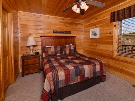 Pigeon Forge Cabin- It's A Wonderful Life – Bedroom Two