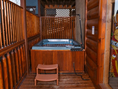 Pigeon Forge Cabin- It's A Wonderful Life – Hot Tub