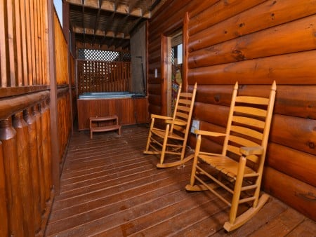 Pigeon Forge Cabin- It's A Wonderful Life – Hot Tub Deck