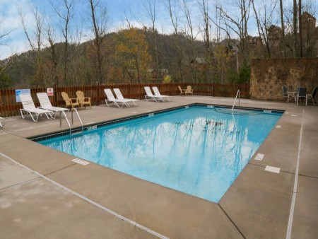 Pigeon Forge Cabin - Bearway To Heaven - Resort Pool