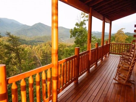 Pigeon Forge Cabin - Beaver's Mountaintop Retreat - Deck with a View