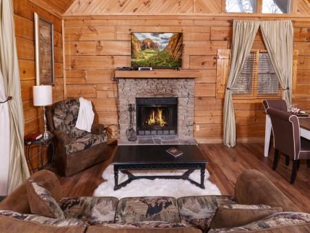 pigeon forge cabin - a secret romance - living room