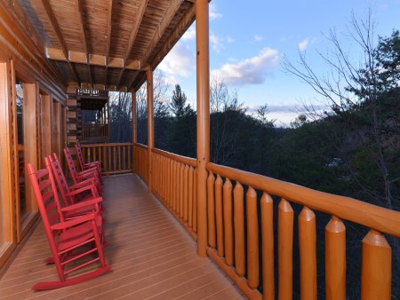 Pigeon Forge Cabin - Be Our Guest - Exterior