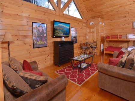 Pigeon Forge Cabin - Be Our Guest - Rec Room