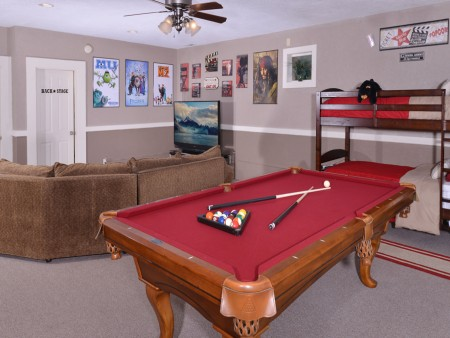 Pigeon Forge - Bearway to Heaven - Rec Room