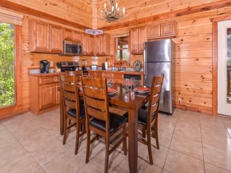 pigeon forge cabin – big bear plunge – kitchen